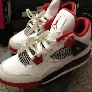 Air Jordan Fire Red 4s